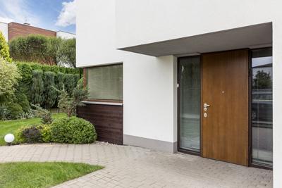 maison porte entree bois