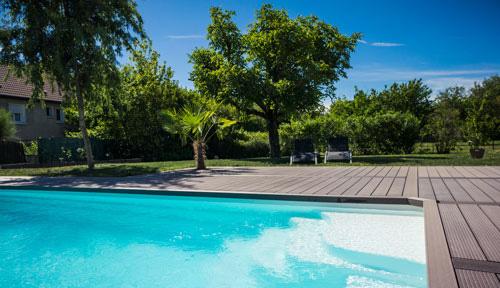 terrasse bois composite piscine