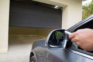 voiture garage porte