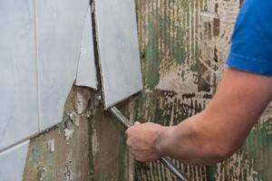enlever-carrelage-mural
