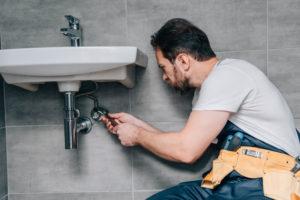 pose-lavabo-salle-de-bain
