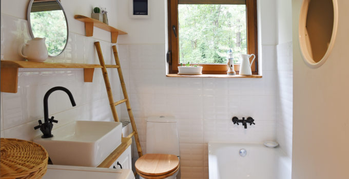 Salle de bain blanc bois